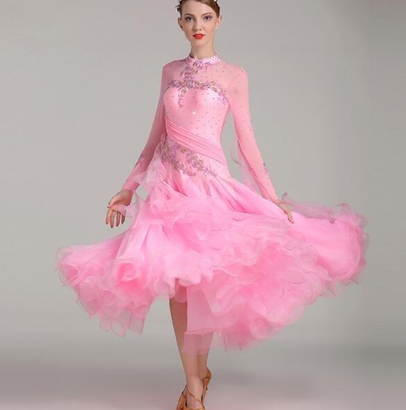 Фото бальных платьев для танцев 019