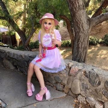 Фото девушек у которых кукольное лицо 003