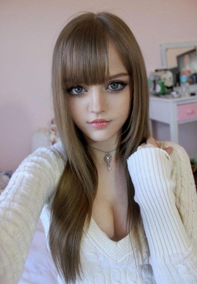 Фото девушек у которых кукольное лицо 014