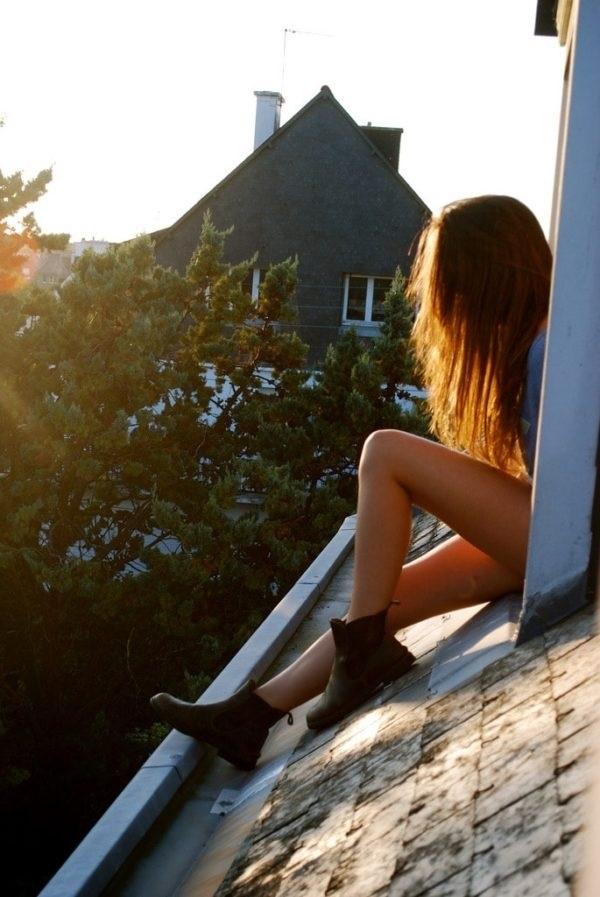 Фото девушки без лица в джинсах 019