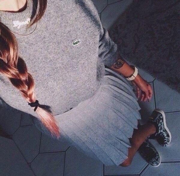 Фото девушки без лица в джинсах 023