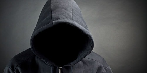 Фото человека в капюшоне без лица 016
