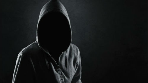 Фото человека в капюшоне без лица 019