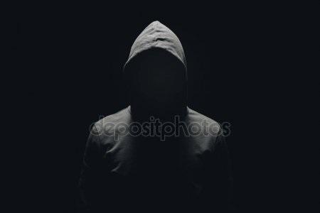 Фото человека в капюшоне без лица 025