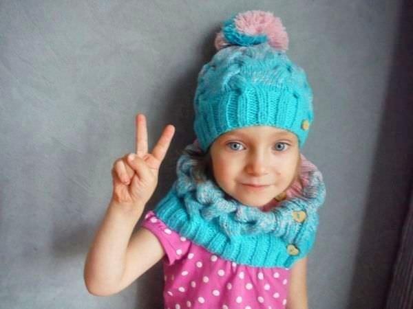 Шапка с ушками для девочки спицами на зиму 022