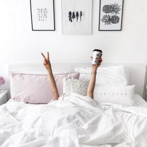 Картинки девушка утром с кофе 012
