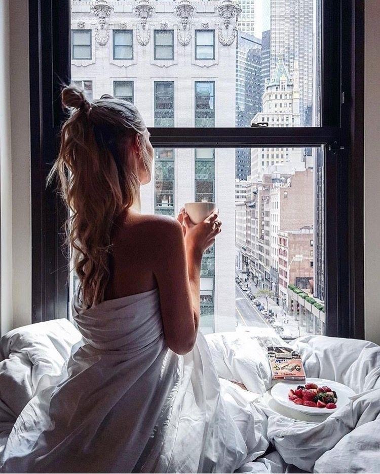 Картинки девушка утром с кофе 023
