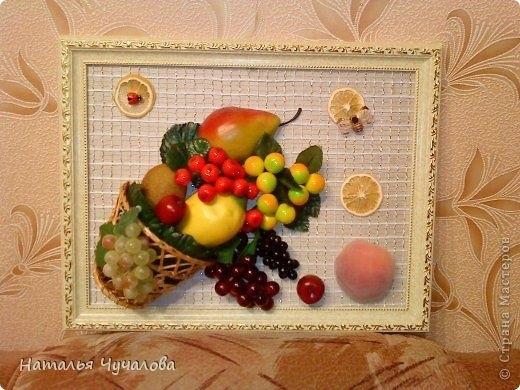 Картины своими руками из искусственных фруктов и цветов 013