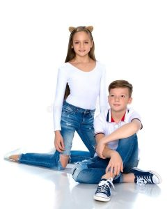 Подросток брат и сестра 012