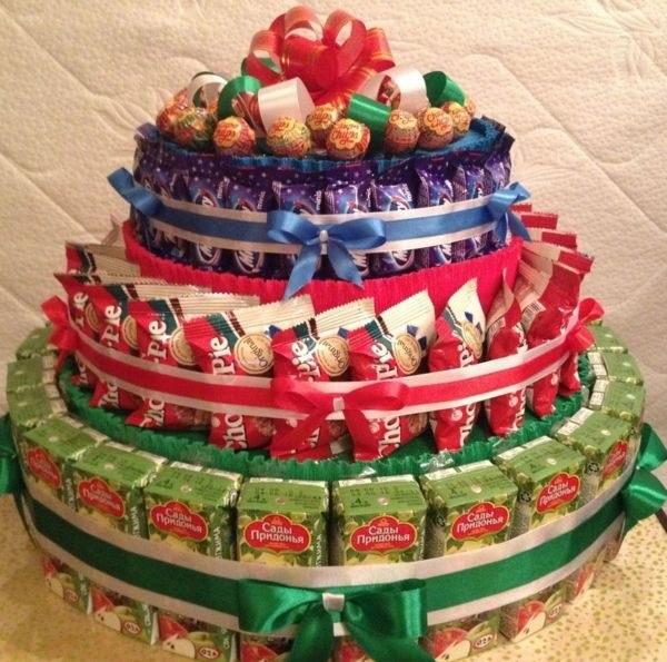 Торт на новый год из конфет своими руками 015