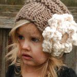 Вязаная шапочка для девочки своими руками — подборка