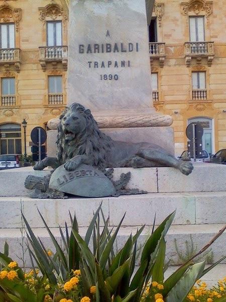 день улыбающихся каменных львов 013
