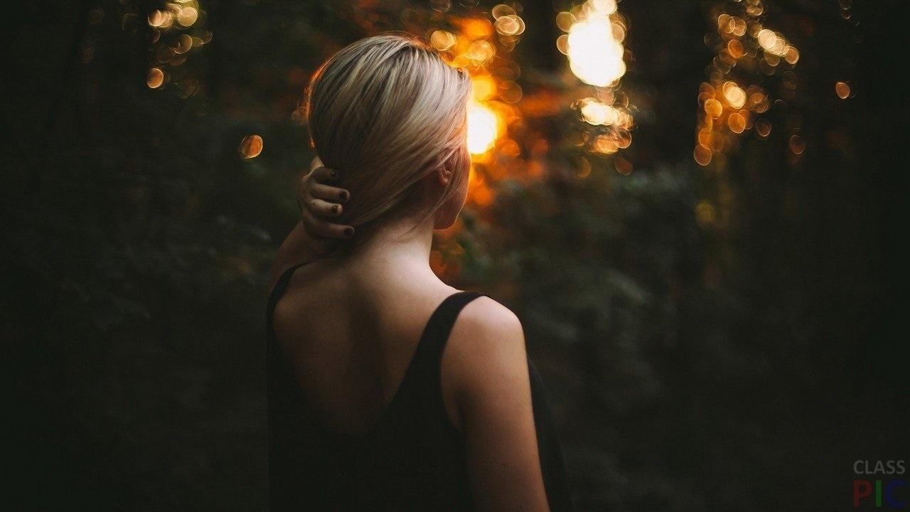 Блондинки с короткими волосами со спины на аватарку картинки005