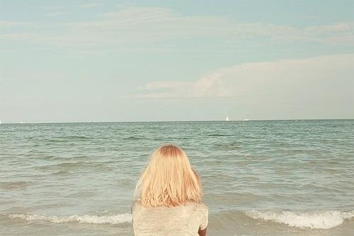Блондинки с короткими волосами со спины на аватарку картинки009