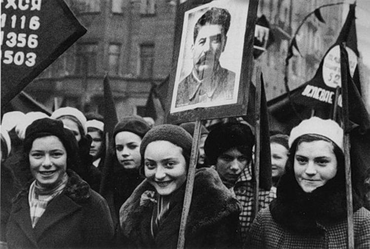В России объявлено о введении 7 часового рабочего дня (1929) 011