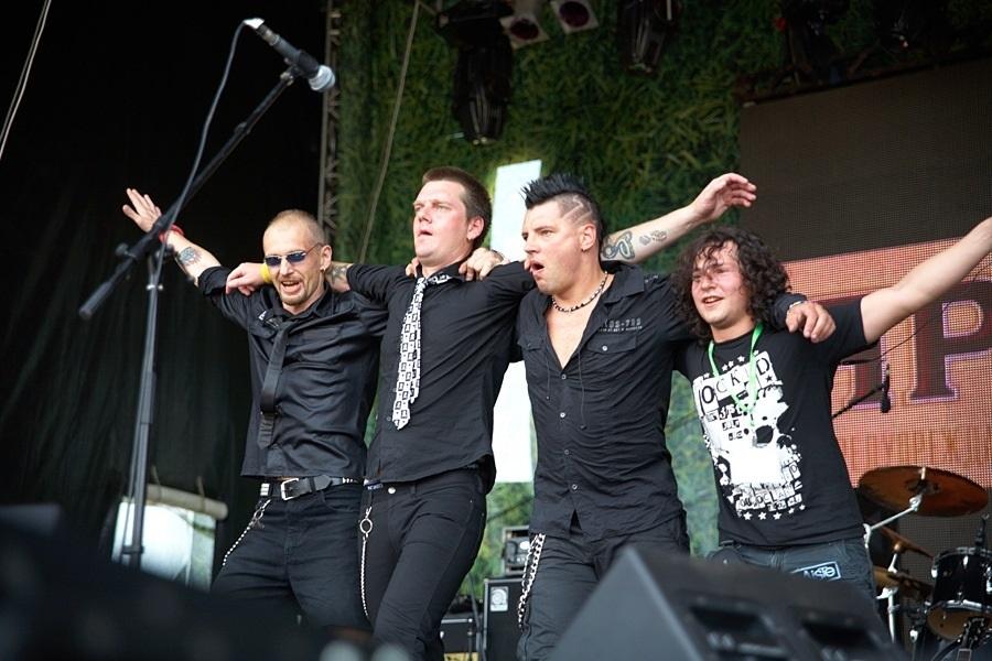 В ленинградском рок клубе дебютировала группа «ДДТ» (1987) 003