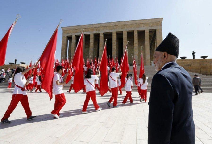 День памяти Ататюрка (Турция) 009