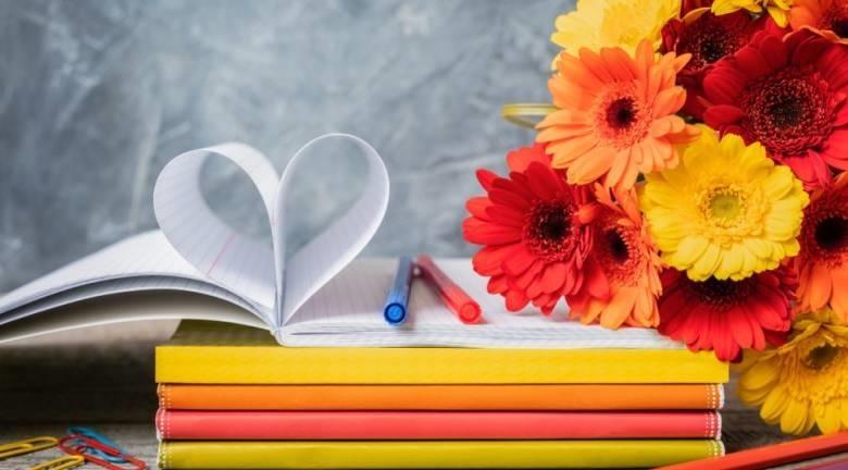 День учителя в 2019 картинки и открытки003