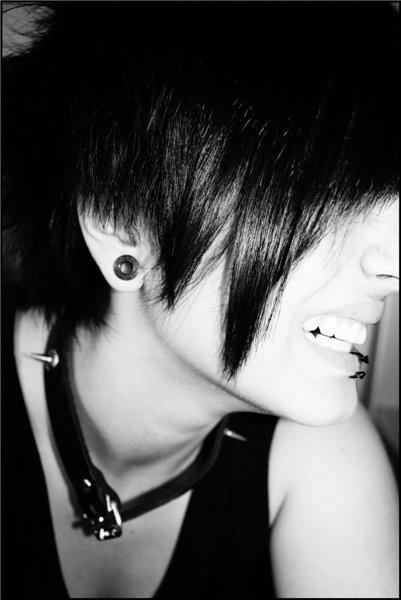 Картинки брюнеток со спины на аватарку с короткой стрижкой004