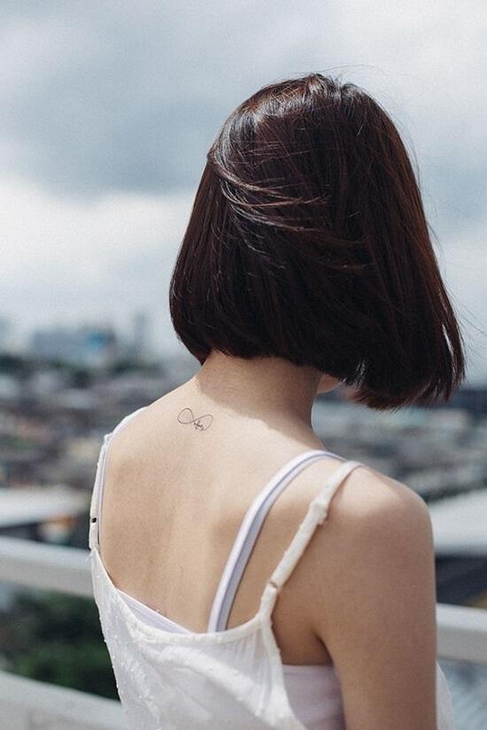 Картинки брюнеток со спины на аватарку с короткой стрижкой013