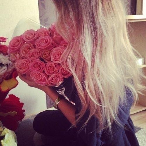 Картинки девушек с цветами блондинки без лица на аватарку011