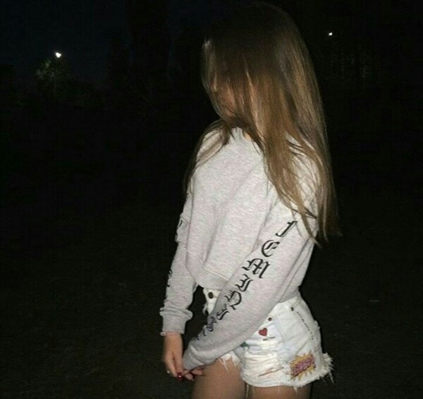 Картинки на аватарку девушка с русыми волосами без лица010