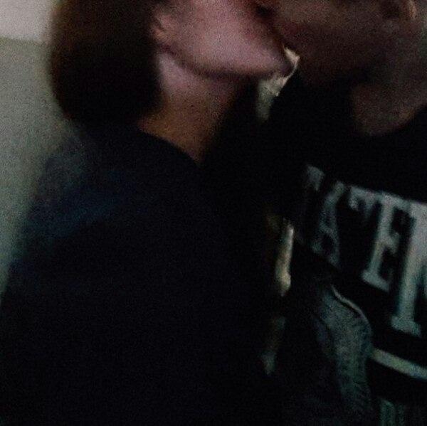 Картинки на аватарку парень с девушкой обнимаются без лица019