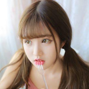 Корейские актрисы с челками 023