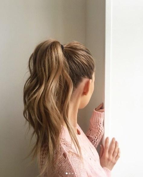 Лучшие фото девушек без лица с русыми волосами на аватарку003