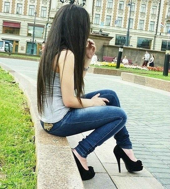 Лучшие фото девушек на аватарку брюнетки без лица на аватарку010