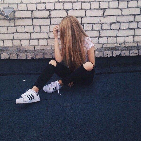Лучшие фото на аватарку для девушек без лица летом блондинка001