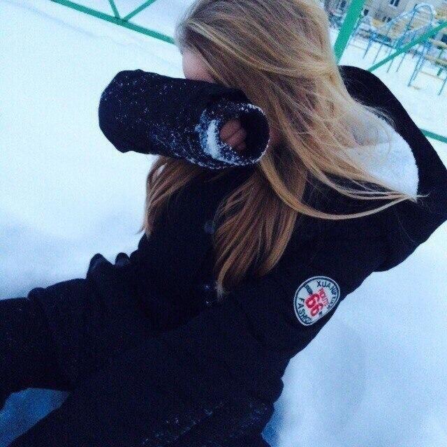 Лучшие фото на аватарку для девушек без лица летом блондинка007