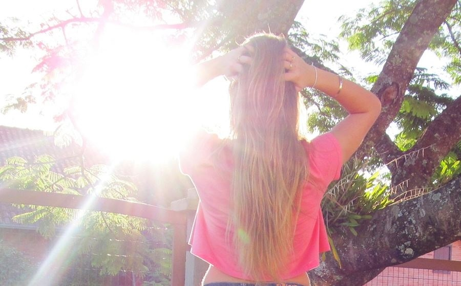 Лучшие фото на аватарку для девушек без лица летом блондинка011