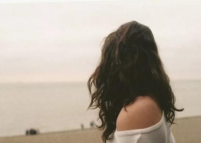 Лучшие фото на аватарку для девушек без лица летом блондинка016