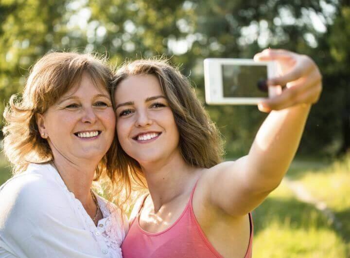 Милые картинки Мать и взрослая дочь 018