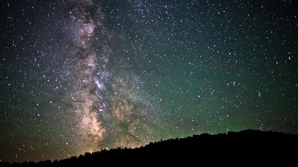 представляет фото звездное небо на рабочий стол сырых