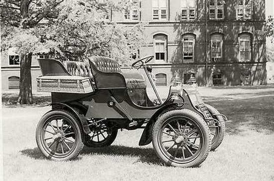 Основан  Кадиллак  (1902) 012