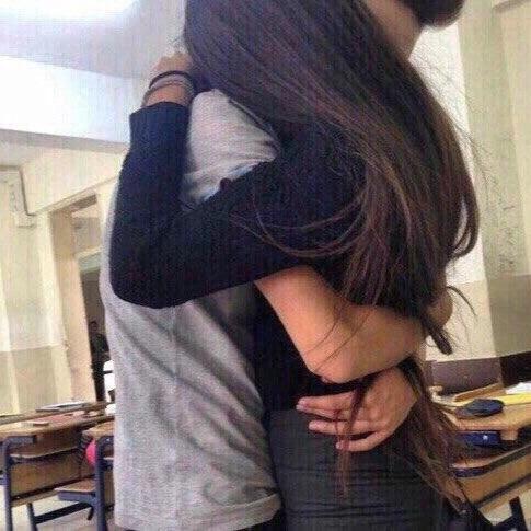 Парень с девушкой целуются без лица на аватарку картинки003