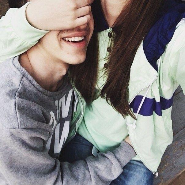 Парень с девушкой целуются без лица на аватарку картинки008