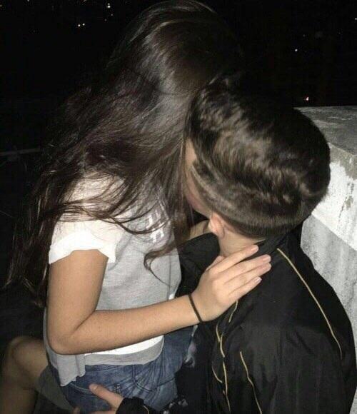 Парень с девушкой целуются без лица на аватарку картинки015