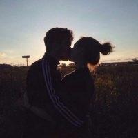 Парень с девушкой целуются без лица на аватарку картинки017