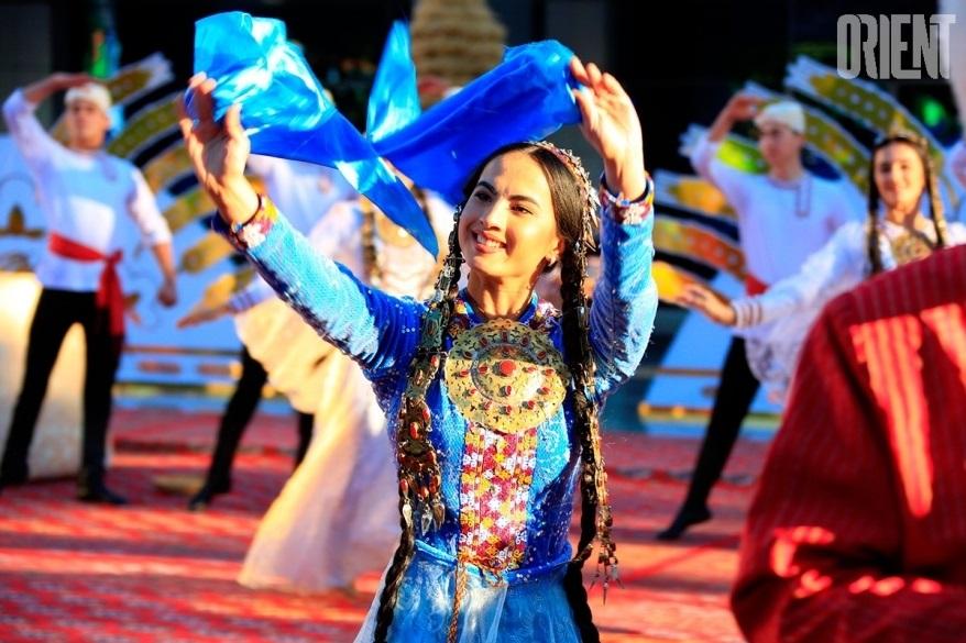 Праздник урожая (Туркменистан) 001