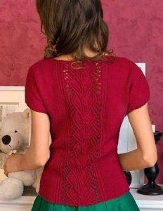 Пуловер спицами с центральным узором 020