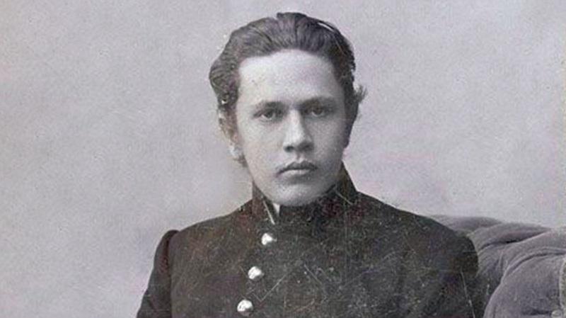 Родился писатель Алексей Толстой 010