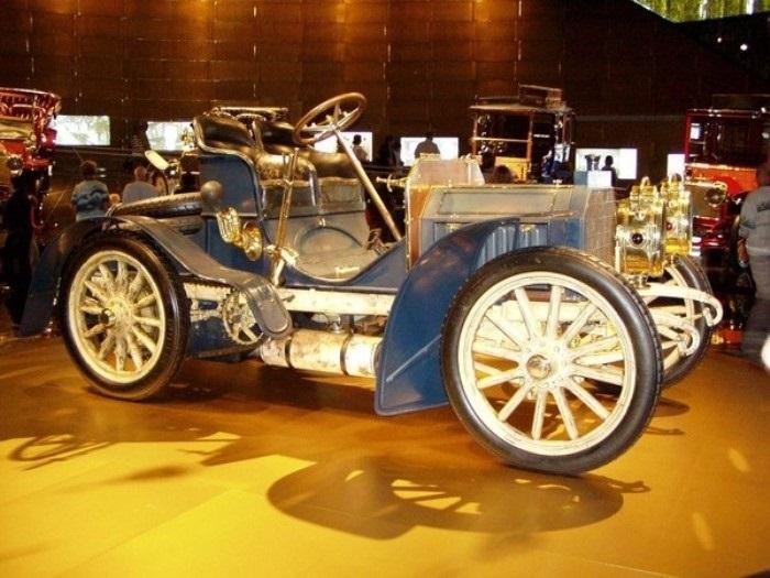Создан первый автомобиль  Мерседес  (1901) 001