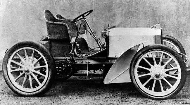 Создан первый автомобиль  Мерседес  (1901) 011