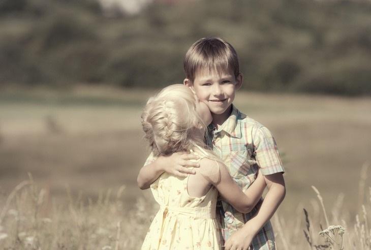 брат и сестра дети 013