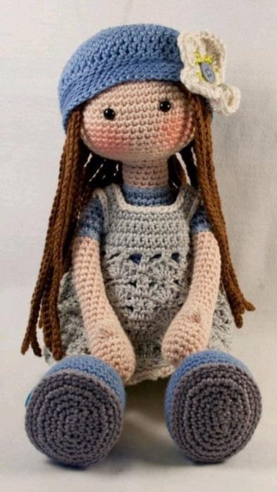 вязанная кукла большеножка 010