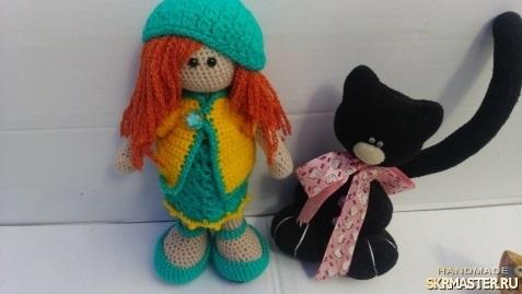 вязанная кукла большеножка 020