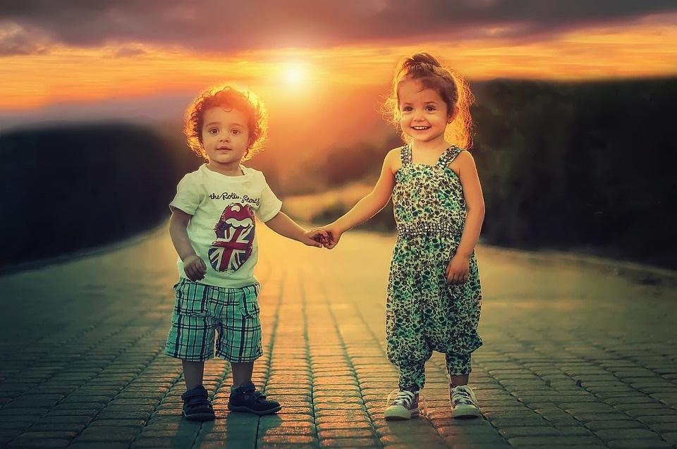 дети картинки брат и сестра 002